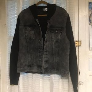 Men's hooded denim/ jean jacket 🍃🍂🌱